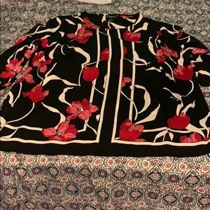 NWT black floral Liz Clairbourne Tunic length top